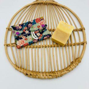 Pochette à savon « Japonaise éclat fleuri »