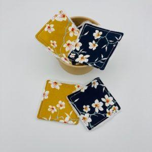 Pot de petites lingettes « Fleurs de cerisier bleues moutarde »